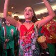 Paloma Bernardi comanda ritmistas na feijoada da Grande Rio, no hotel Royal Tulip