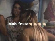 Sabrina Sato dispensa calcinha ao usar vestido curto na feijoada da Vila Isabel