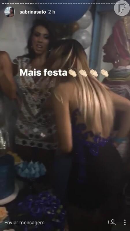 a6cd5a93e Sabrina Sato dispensa calcinha ao usar vestido curto na feijoada da Vila  Isabel - Purepeople