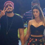 Luan Santana posta foto com a namorada, Jade Magalhães, em raro momento. Veja!