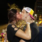 Rafael Cortez beija namorada e canta em trio na Bahia: 'Novo Netinho'. Fotos!
