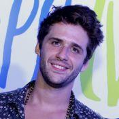 Gil Coelho lida bem com cantadas após papel gay em 'A Lei do Amor': 'Tranquilo'