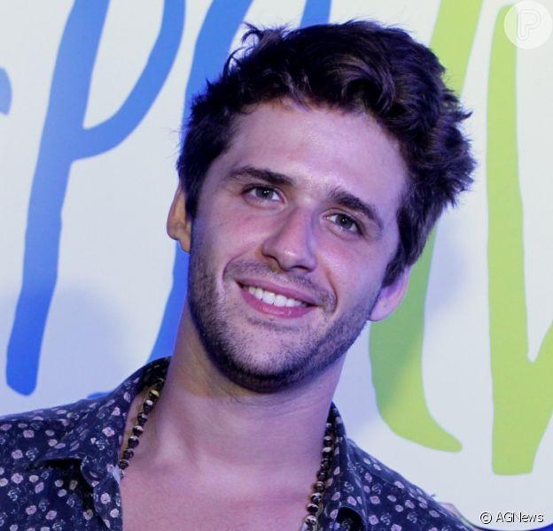 Gil Coelho curte repercussão de seu personagem, Wesley, que se descobriu gay ao longo da novela 'A Lei do Amor'