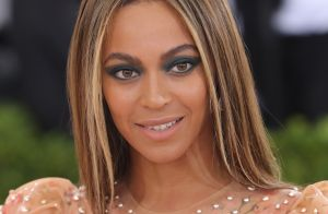 Beyoncé, grávida de gêmeos, não vai cantar no Coachella: 'Conselho dos médicos'