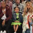 Grávida, Beyoncé assistiu jogo de basquete com a filha, Blue Ivy, e o marido,  Jay-Z