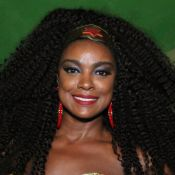 Cris Vianna usa fantasia de Mulher-Maravilha para ensaio de carnaval. Fotos!