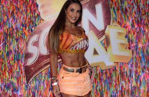Scheila Carvalho, sarada, exibe barriga sequinha no Carnaval em Salvador. Fotos!
