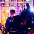 Vittorio (Marcello Novaes) usou fantasia de Zorro no baile de carnaval da novela 'Sol Nascente'