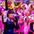 Lenita (Leticia Spiller) comanda o baile de carnaval na novela 'Sol Nascente'. As cenas estão previstas para serem exibidas a partir do capítulo da próxima quarta-feira, 1º de março de 2017