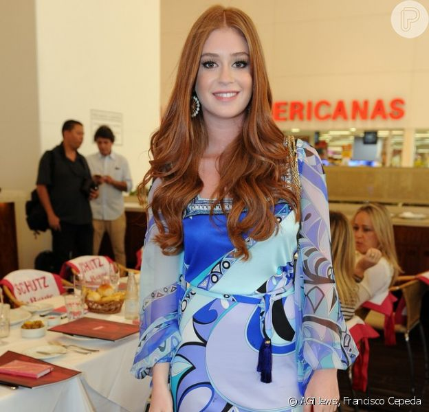 Marina Ruy Barbosa participa de almoço em São Paulo usando vestido curto