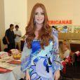 Marina Ruy Barbosa aposta em vestido estampado para ir a evento em São Paulo