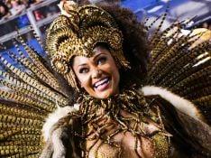 Carnaval: Camila Silva esbanja carisma ao desfilar pela Vai-Vai. Fotos!