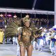 Camila Silva brilhou na madrugada deste domingo, 26 de fevereiro de 2017, ao desfilar pela Vai-Vai