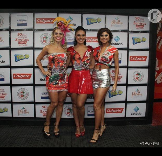 Paloma Bernardi, Monique Alfradique e Julianne Trevisol posaram para fotos antes do desfile da Acadêmicos do Grande Rio na noite deste domingo, 26 de fevereiro de 2017