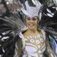 Paloma Bernardi, rainha de bateria da Grande Rio, usou uma fantasia comportada no Carnaval 2017
