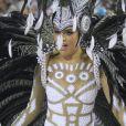 Paloma Bernardi  arrasou ao cruzar a Marquês de Sapucaí como rainha de bateria da Grande Rio  neste domingo, 26 de fevereiro de 2017