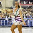 Ivete Sangalo mostrou samba no pé durante o desfile, na madrugada desta segunda-feira, 27 de fevereiro de 2017