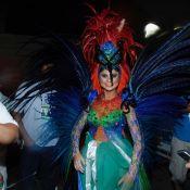 Vídeo: fã de Ivete Sangalo, Julianne Trevisol canta música antes de desfilar