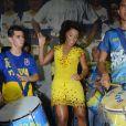 Juliana Alves samba à frente da bateria da Unidos da Tijuca