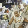 Raphaela Gomes, então com 17 anos, levou uma queda durante o desfie da São Clemente no Carnaval de 2016