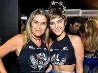 Isabella Santoni, acompanhada da mãe, curte Carnaval solteira: 'É normal'. Fotos