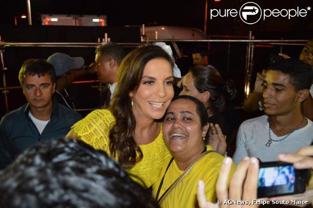 Ivete Sangalo dança frevo em DVD da cantora pernambucana Nena Queiroga, 'Pernambuco para o mundo', em 16 de fevereiro de 2014