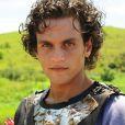 Tiago Marques é Abel, um exímio arqueiro, na novela 'O Rico e Lázaro'