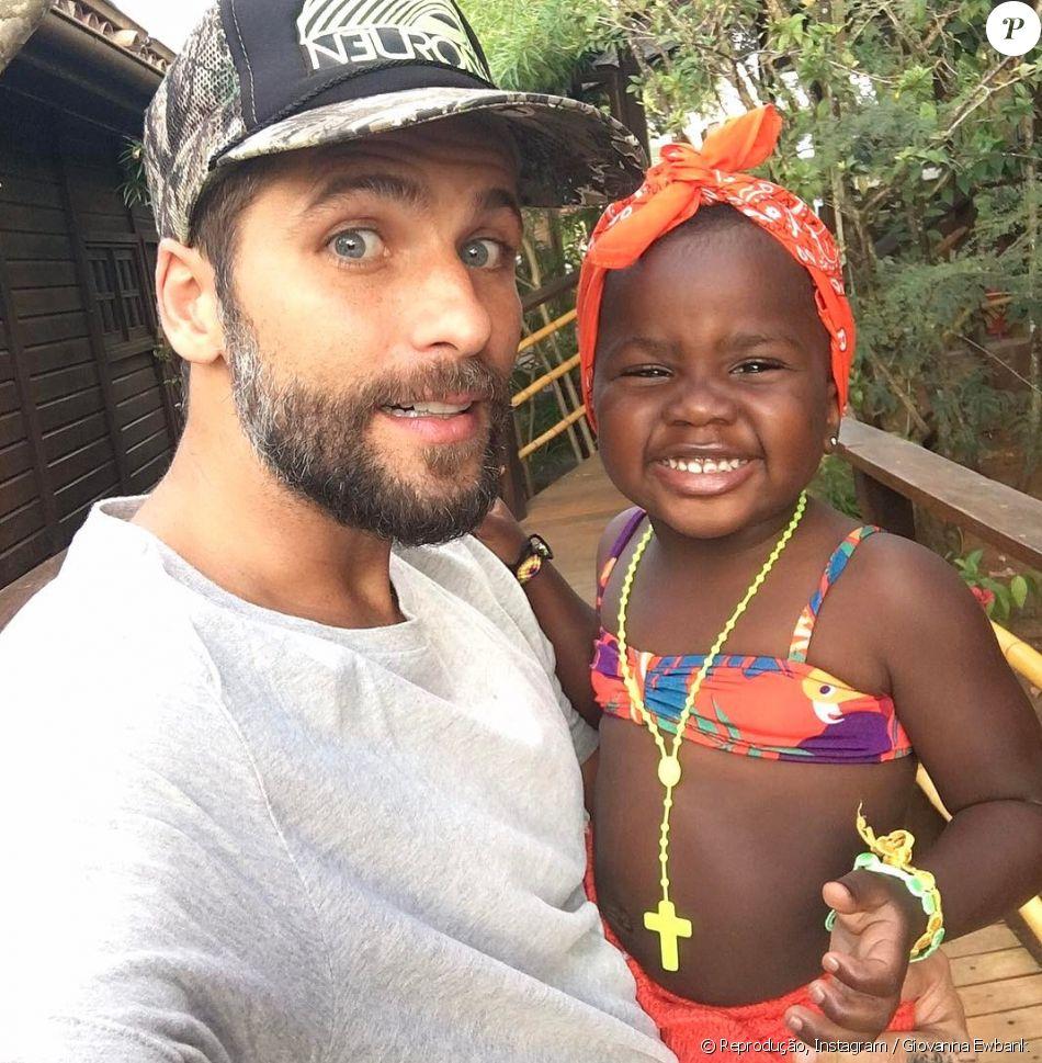 Bruno Gagliasso falou sobre o fã-clube da filha, Títi, de 3 anos: 'B om saber que é querida e admirada por todo mundo'