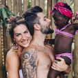 Bruno Gagliasso, marido de Giovanna Ewbank, disse que evoluiu como ser humano depois de ter adotado Títi