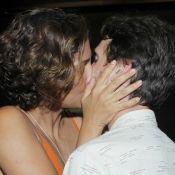 Camila Pitanga beija o namorado, Igor Angelkorte, em estreia de peça. Fotos!
