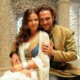 Joana (Milena Toscano) e Zac (Igor Rickli) são par-romântico na novela 'O Rico e Lázaro'. ' O que importa é a verdade que a cena passe. Se a cena é um milagre, os atores têm que emocionar', disse Edgar Miranda, diretor-geral da trama