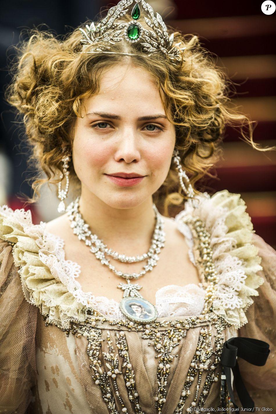 Letícia Colin é Leopoldina, arquiduquesa da Áustria, que casa-se com Dom  Pedro (Caio Castro) sem conhecê-lo e chega ao Brasil para reinar com ele,  mas decepcion - Purepeople