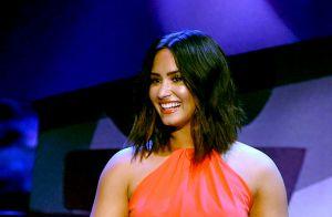 Demi Lovato ganha banho de gosma verde no palco do Kids' Choice Awards