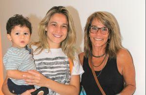 Fernanda Gentil leva o filho e a mãe para assistirem peça infantil no Rio. Fotos
