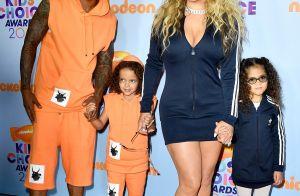 Mariah Carey e o ex-marido, Nick Cannon, combinam looks com os filhos em prêmio