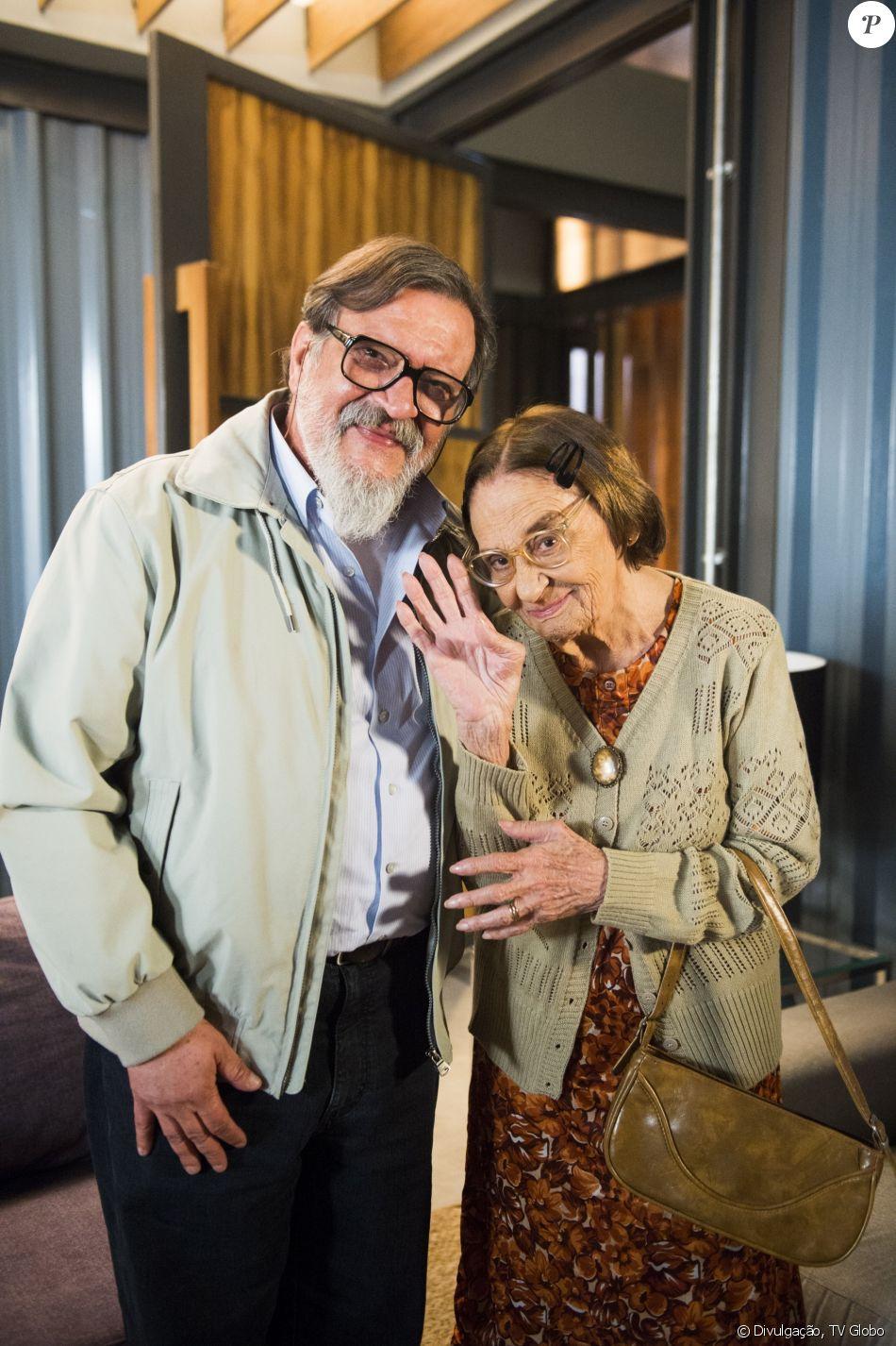 Sinhá (Laura Cardoso) sequestra Tanaka (Luis Melo) e, após perseguição da  polícia, o japonês é baleado no ombro, na novela 'Sol Nascente' - Purepeople