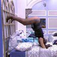 Elettra Lamborghini   rebolou de cabeça para baixo em cima da cama e chamou a atenção do agente de trânsito     Daniel, no 'Big Brother Brasil'