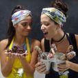 Amigas fora do trabalho, atrizes Malu Falangola e Cynthia Senek se divertiram durante o preparo das receitas