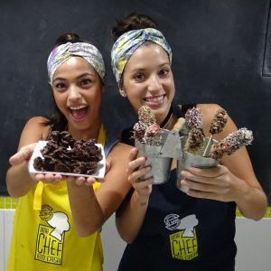 Cynthia Senek. Foto do site da Pure People que mostra Vídeo: Malu Falangola e Cynthia Senek, de 'Malhação', ensinam receitas de Páscoa