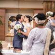 Mieko (Miwá Yanagizawa) se casa com Damasceno (Emilio Orciollo Netto) na mesma cerimônia que a filha, Yumi (Jacquelina Sato) se casa com Tiago (Macello Melo Jr.), no final da novela 'Sol Nascente'