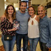 Adriana Esteves e Vladimir Brichta prestigiam espetáculo de Alexandre Nero no RJ
