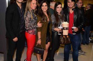 Zilu Camargo prestigia a filha Camilla em lançamento do filme 'Travessia'. Fotos