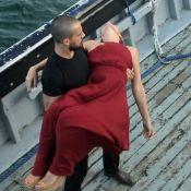 Final de 'Sol Nascente': César sequestra Alice para alto-mar e aciona bomba