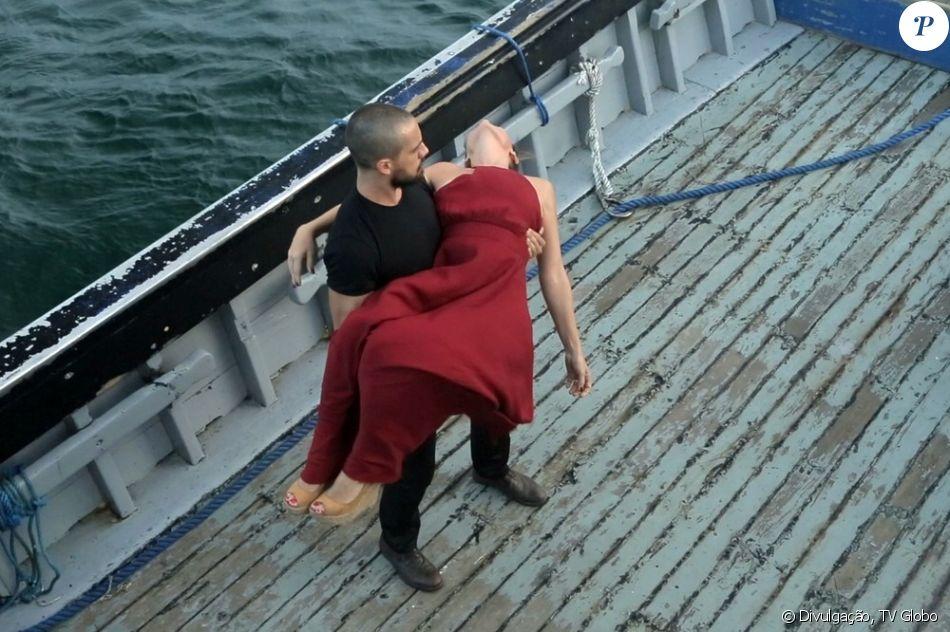 Final de 'Sol Nascente': César (Rafael Cardoso) sequestra Alice (Giovanna Antonelli) para alto-mar e aciona bomba