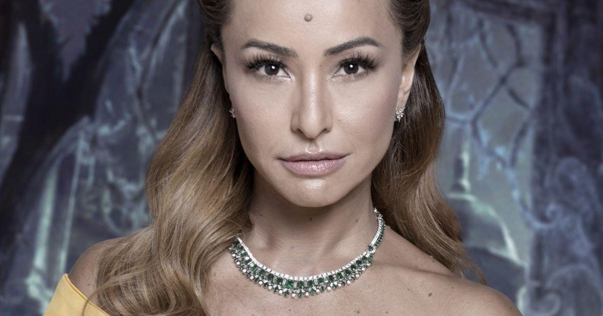 Sabrina Sato admite que ficaria melhor sem pinta na testa   Não acho ela  linda  - Purepeople d99ce9dceb