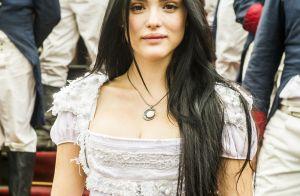 Isabelle Drummond é exaltada na web por estreia em 'Novo Mundo': 'Melhor atriz'