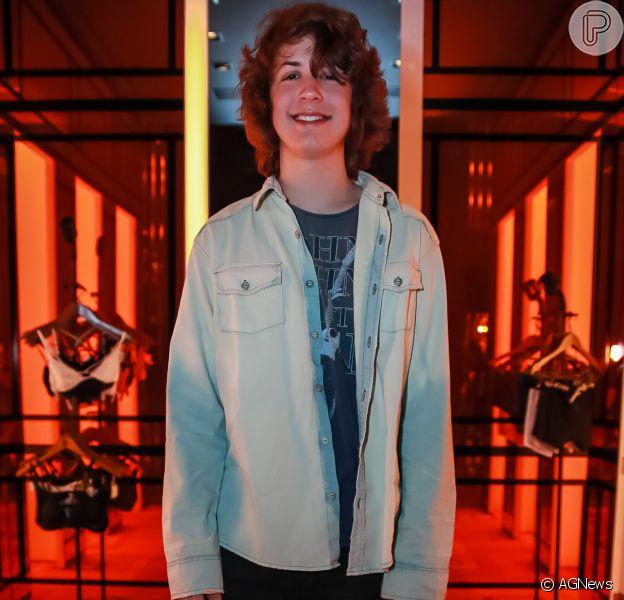 Filho de Luciana Gimenez e Mick Jagger, Lucas Jagger diz que o sucesso do pai não o ajuda entre as meninas