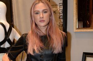Fiorella Mattheis, após 12h em salão, adota cabelo rosa para papel: 'Stripper'