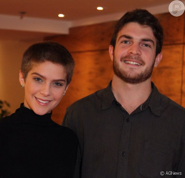 Isabella Santoni mantém contato com ex-namorado Lucas Wakim: 'Somos amigos'
