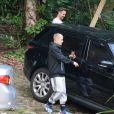Justin Bieber deixou a trilha da Pedra da Gávea em um carro preto
